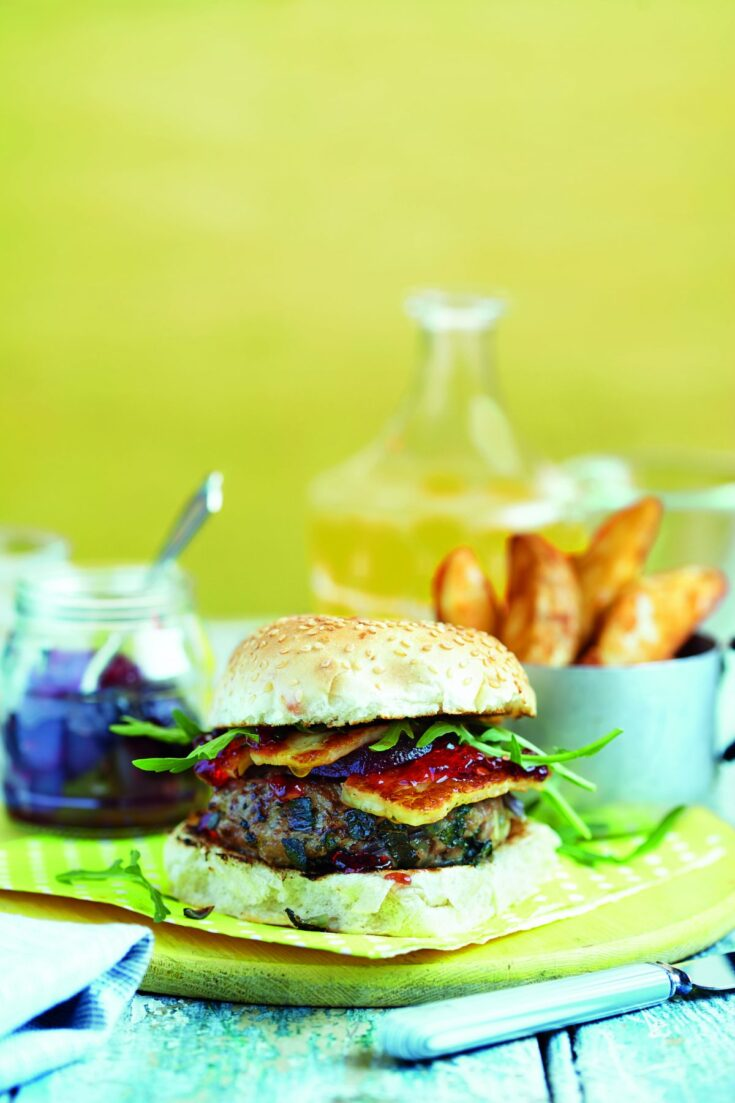 Lamb burger with beets and halloumi