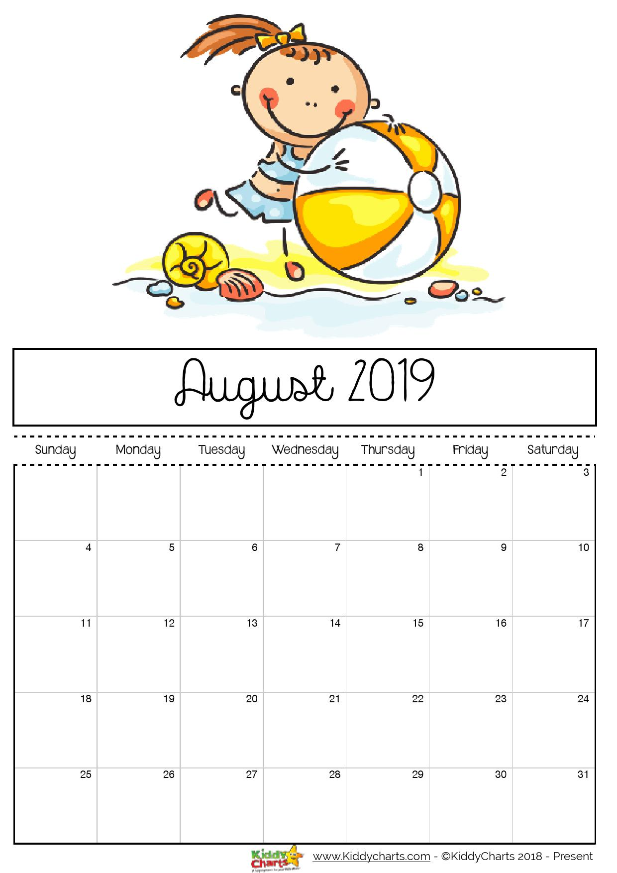 August printable 2019 calendar; little girl on the beach with a beach ball. We hope you manage to get to the beach too in 2019! #printables #kidsprintables #2019calendar