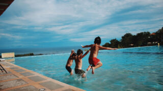 5 ideas to enable you to take your family away without the stress