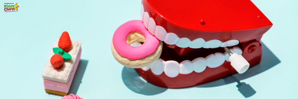 Wind up teeth toy, eating rubbers shaped like cakes.