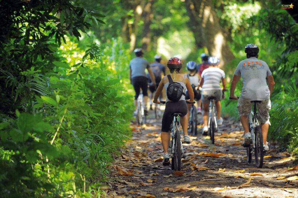 Shandrani resort review: bike trailing.