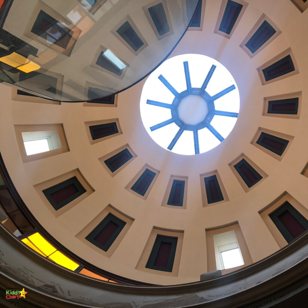 Top of the dome from inside.