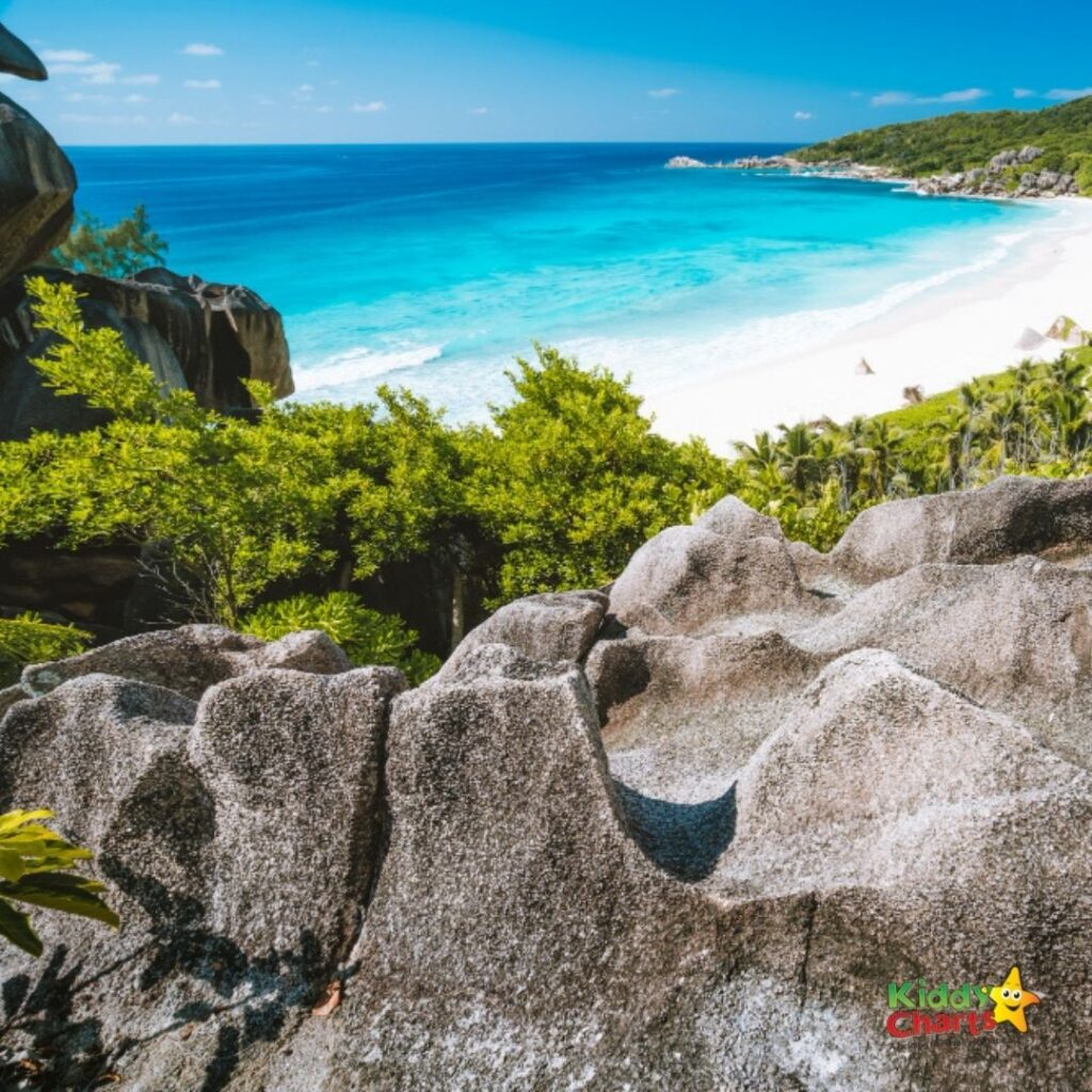 Beaches in the Seychelles with kids