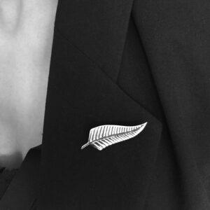 All_blacks_silver_fern_ brooch-female