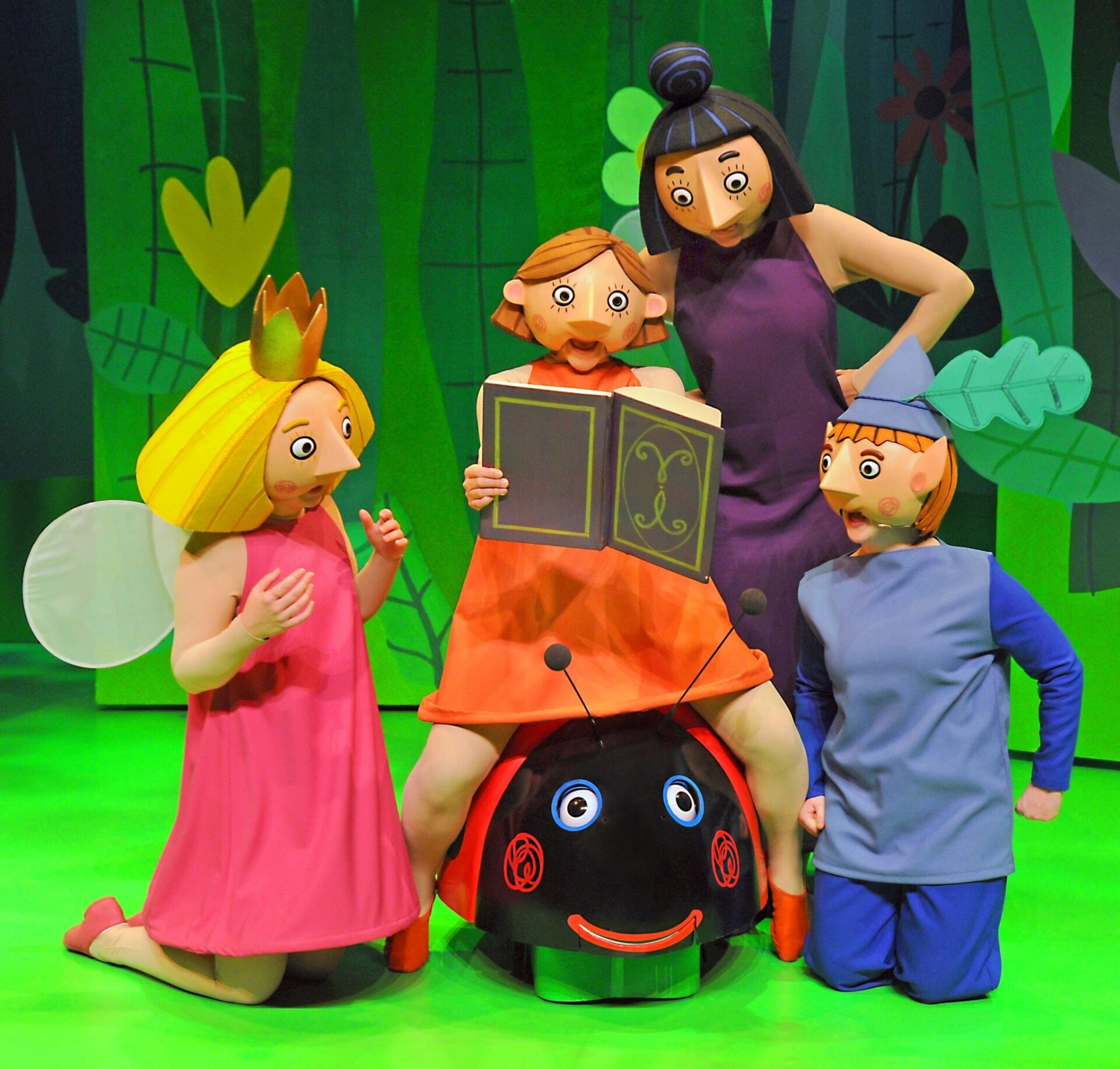 Ben and Holly Live Cast Photo