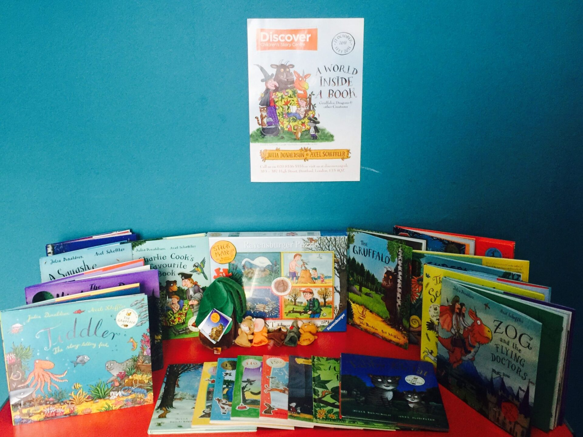 We have £250 of AMAZING goodies to give away from Julia Donaldson and Axel Scheffler to celebrate the Discover Children's Story Centre's amazing exhibition...including tickets for the event in October 21st, which runs for a whole year! Com visit the blog to find out all about the event!