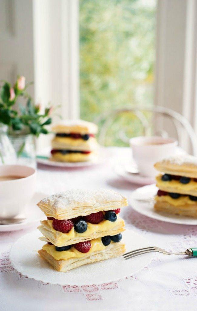 Delicious Berry Cream Puff Recipe