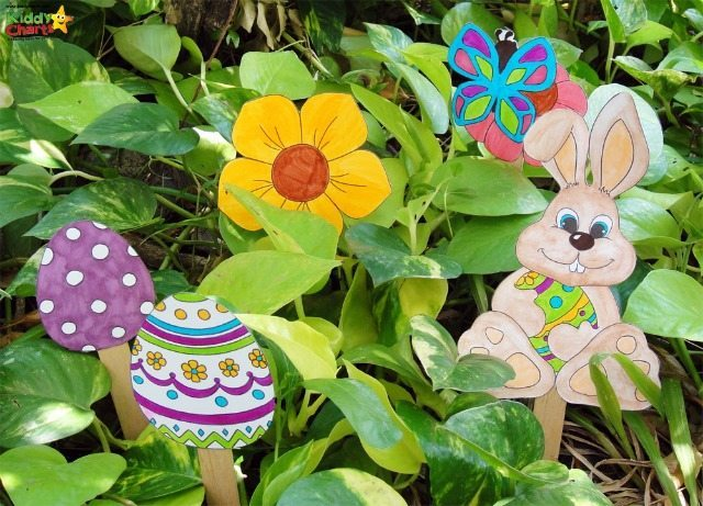These Easter Egg hunt signs are perfecvt to help your kids to find the eggs in the garden, or possibly even in the house if you stick them to the wall with a bit of blu-tac. Make those Easter Egg hunts a lot of fun!