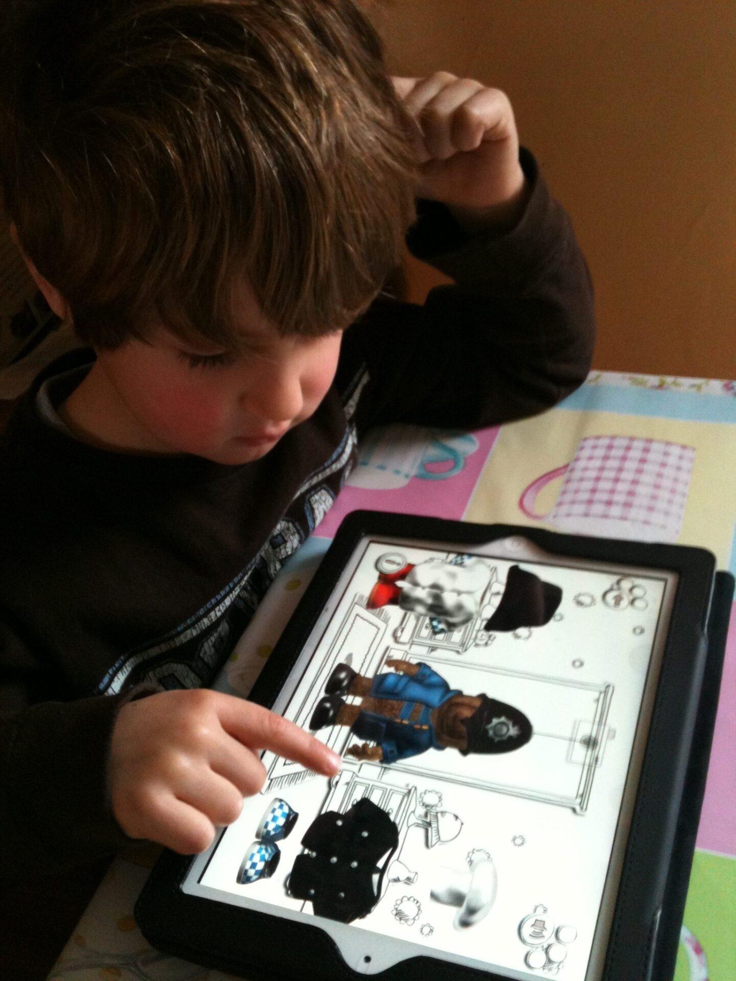 Paddington Bear Adventures Review: iPad and iPhone