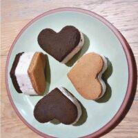 Valentines Biscuits: Heart shaped frozen yoghurt sandwiches
