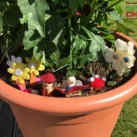 Easy flowerpot fairy garden