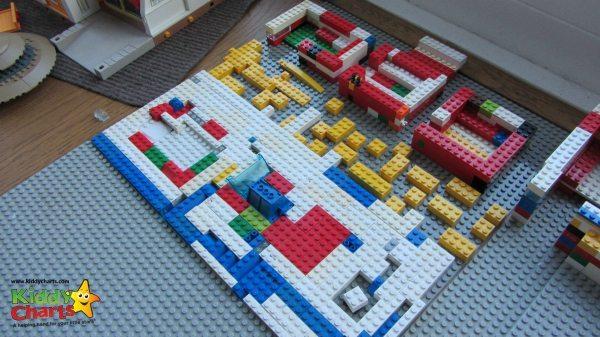 Cuthberts Toys: Lego Beach