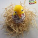 Easter craft for kids: Decorated hatching chick