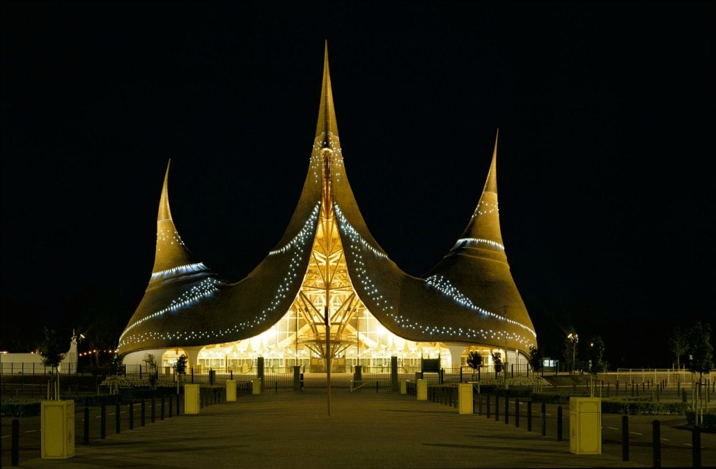 A beautiful image of the Efteling entrance by night.