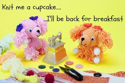 Mum blogs; Knit me a cupcake I'll be back for breakfast...