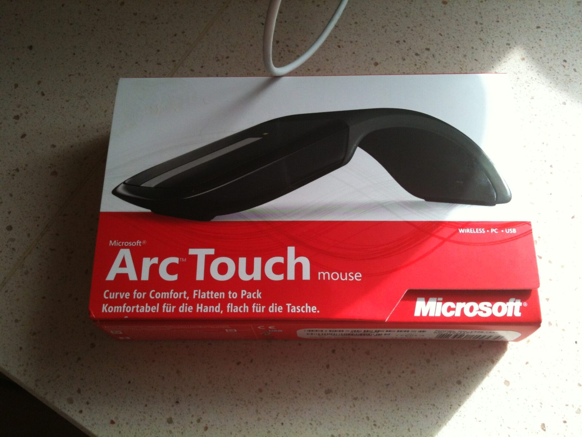 Microsoft Arc Touch Mouse Review - in the box