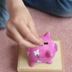 Making a piggy bank with Jacdo craft kits