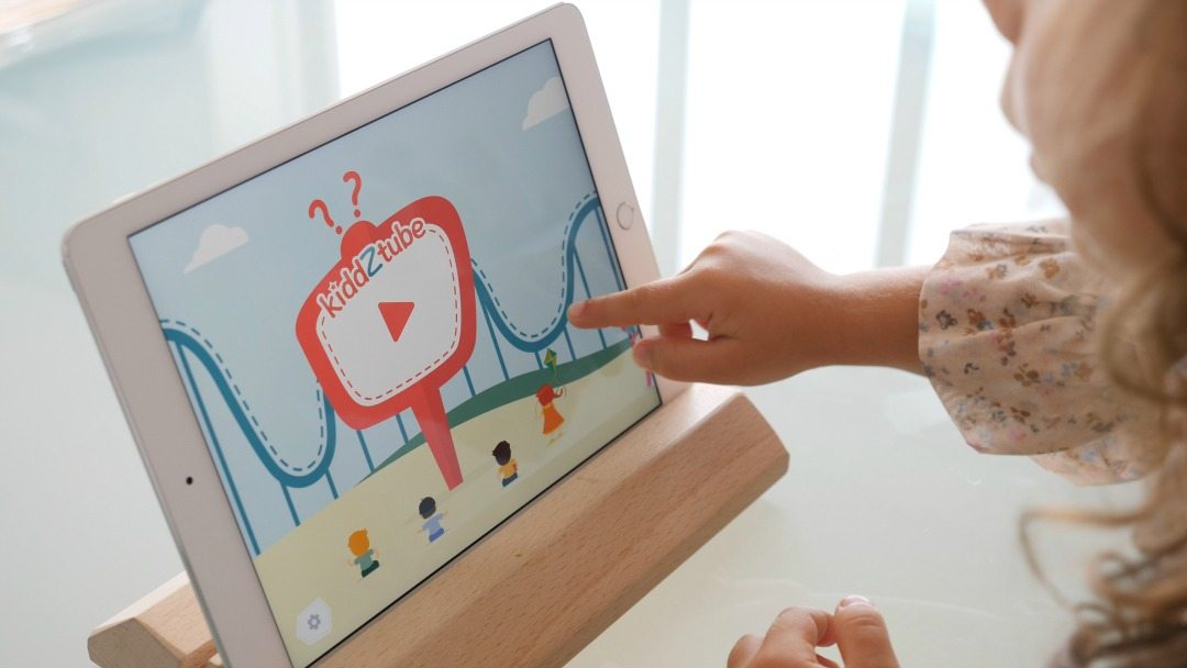 kiddZtube is safe way to let you kids explore videos - so they won't accidentally wander off where they shouldn' be going! It even has quizzes too.