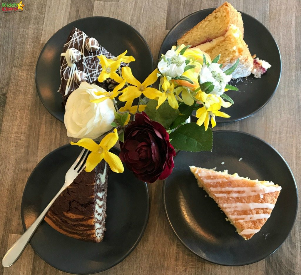 Now these cakes from the Little Kitcehn Bistro look worth a little taste, don't you think?