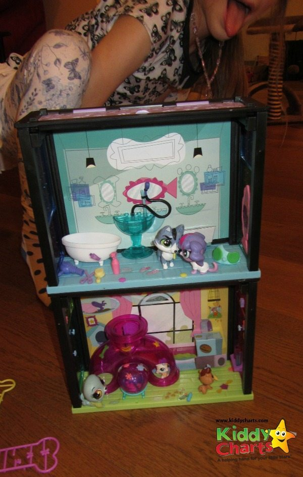 The Littlest Pet Shop Fun Room and Spa