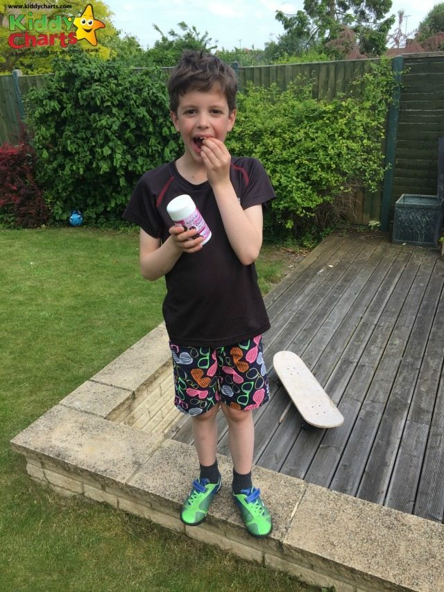 Do you give your kids Omega 3 supplements? We tried and tested the Natures Best ones for age 3+