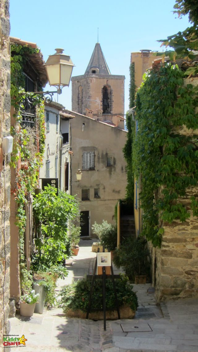 Port Grimaud streets are much quieter than Saint Tropez, and so easier to explore with the kids.