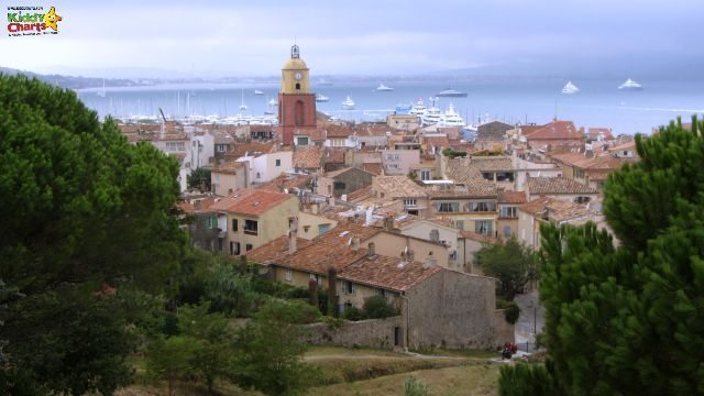 You get a perfect view of the houses, and the Saint Tropez town itself from the Citadelle