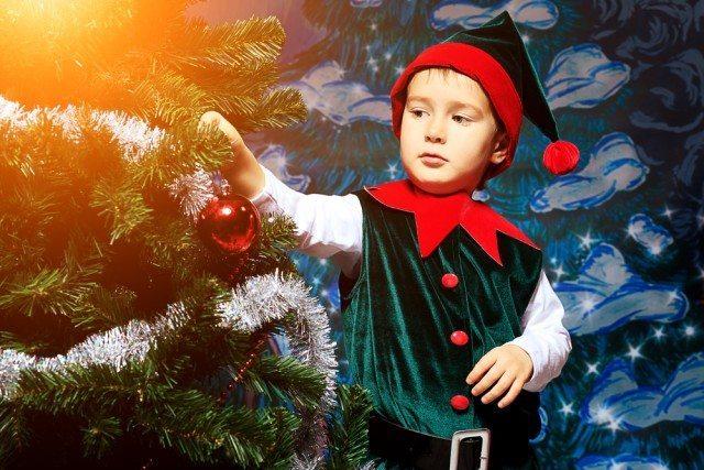 Elves treasure hunt dressed as an elf perhaps?