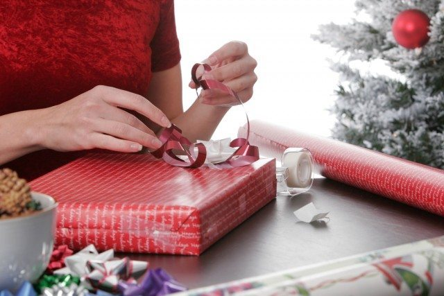 Wrapping presents is an important part of Christmas, so we have some free Christmas gift tags for you to print out.