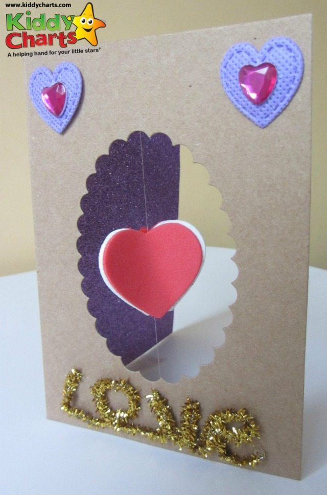 FInally we have a Valentines Day Card on the blog for you and the kids to make|! THis one is a 3D spinning heart card, simple, but really effective. You can decorate around the card anyway you want to as well, so it is a really flexible card for you and the kids to try,.