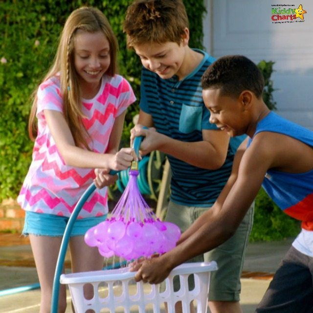 Fill 100 balloons in 60 seconds for the ultimate water balloon fight this summer! Go on, take a look, you know you want to find out how to do this, go on! ;-)